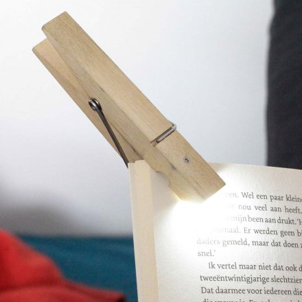 Kikkerland Reading Light Clothespin