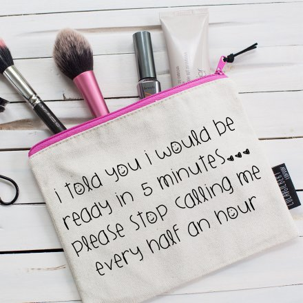 Make-Up Bag 5 minutes...