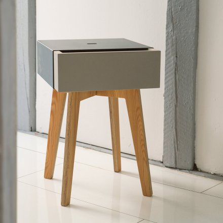 Christian Lessing Pushstool white/gray