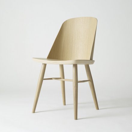 Menu Synnes Chair